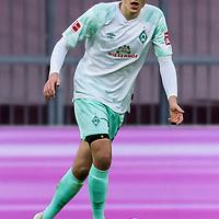 21.11.2020, Allianz Arena, Muenchen, GER,  FC Bayern Muenchen SV Werder Bremen <br /> <br /> <br />  im Bild <br /> <br /> Maximilian Eggestein (Werder Bremen #35)<br />  ,Ball am Fuss, Hochformat Einzelaktion, Ganzkörper / Ganzkoerper <br /> <br /> Foto © nordphoto / Straubmeier / Pool/ <br /> <br /> DFL regulations prohibit any use of photographs as image sequences and / or quasi-video.
