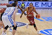 DESCRIZIONE : Campionato 2015/16 Serie A Beko Dinamo Banco di Sardegna Sassari - Umana Reyer Venezia<br /> GIOCATORE : Phil Goss<br /> CATEGORIA : Palleggio Penetrazione<br /> SQUADRA : Umana Reyer Venezia<br /> EVENTO : LegaBasket Serie A Beko 2015/2016<br /> GARA : Dinamo Banco di Sardegna Sassari - Umana Reyer Venezia<br /> DATA : 01/11/2015<br /> SPORT : Pallacanestro <br /> AUTORE : Agenzia Ciamillo-Castoria/L.Canu