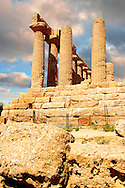 Temple of Hercules (Heracles), Valley of Temples, Agrigento, sicily. Temple of Heracles, who was one of the most venerated deities in the ancient Akragas. It is the most ancient in the Valley: destroyed by an earthquake, it consists today of only eight columns. .<br /> <br /> Visit our CLASSICAL WORLD HISTORIC SITES PHOTO COLLECTIONS for more photos to buy as buy as wall art prints https://funkystock.photoshelter.com/gallery-collection/Classical-Era-Historic-Sites-Archaeological-Sites-Pictures-Images/C0000g4bSGiDL9rw<br /> If you prefer to buy from our ALAMY PHOTO LIBRARY  Collection visit : https://www.alamy.com/portfolio/paul-williams-funkystock/greektemplesagrigento.html