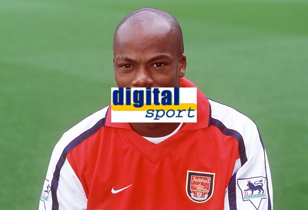 Sylvian Wiltord (Arsenal). Arsenal 2:1 Coventry City, F.A. Carling Premiership, 16/9/2000. Credit: Colorsport / Stuart MacFarlane.