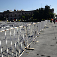 """Toluca, México.- Iniciaron los trabajos para la instalación de la exposición militar """"Fuerzas Armadas: Pasión por Servir"""" en la Plaza de los Mártires, que será inaugurada el próximo viernes 6 de febrero.  Agencia MVT / Crisanta Espinosa"""
