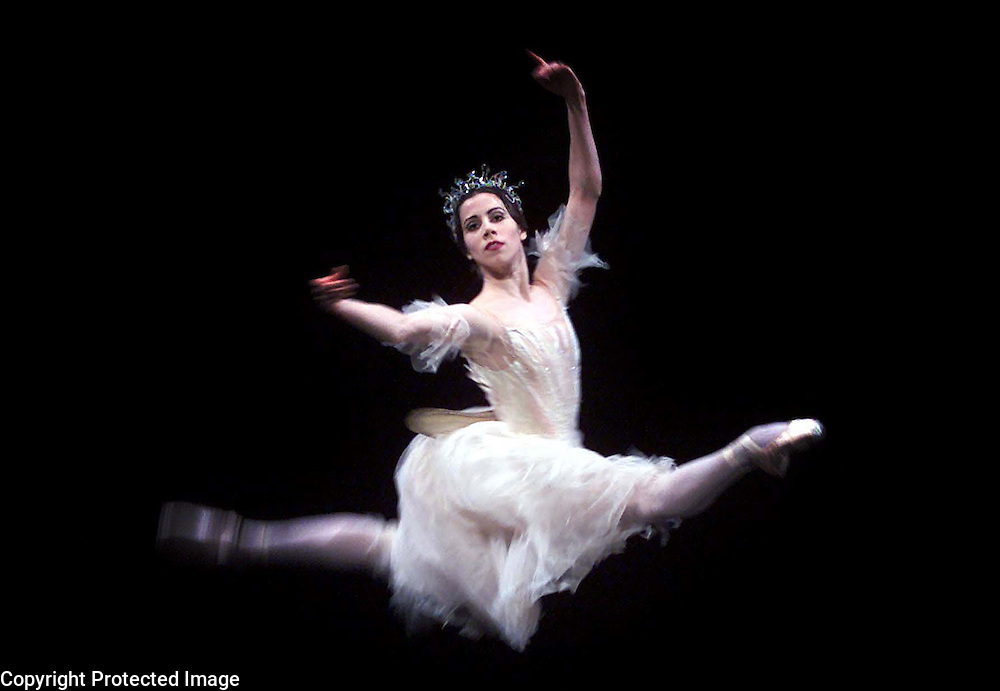 PIC BY PAUL GROVER AT THE ROYAL OPERA HOUSE COVENT GARDEN PIC SHOWS ACT 2 THE DRESS REHEARSAL FOR GISELLE PIC PAUL GROVER