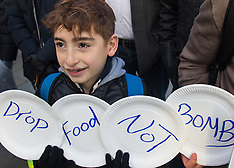 2016-01-16 UK Syrians protest demanding food drops to besieged rebel towns