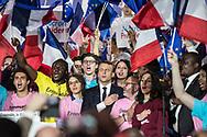 01052017. Paris. Meeting d'Emmanuel Macron au Paris Event Center. Fin de discours. Marseillaise.