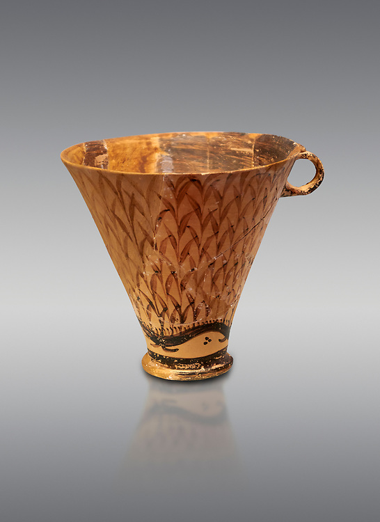 Minoan clay cup decorated with reeds, Zakros Palace  1600-1450 BC; Heraklion Archaeological  Museum, grey background. .<br /> <br /> If you prefer to buy from our ALAMY PHOTO LIBRARY  Collection visit : https://www.alamy.com/portfolio/paul-williams-funkystock/minoan-art-artefacts.html . Type -   Heraklion   - into the LOWER SEARCH WITHIN GALLERY box. Refine search by adding background colour, place, museum etc<br /> <br /> Visit our MINOAN ART PHOTO COLLECTIONS for more photos to download  as wall art prints https://funkystock.photoshelter.com/gallery-collection/Ancient-Minoans-Art-Artefacts-Antiquities-Historic-Places-Pictures-Images-of/C0000ricT2SU_M9w