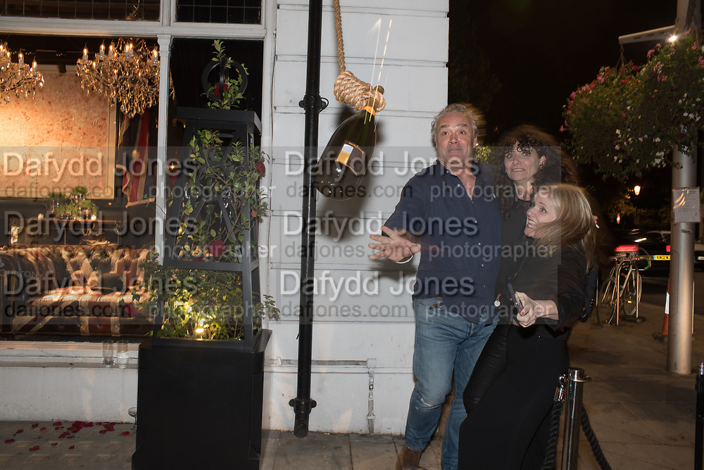 TIMOTHY OULTON CHAMPAGNE OPENING, , Timothy Oulton Flagship Gallery Grand Opening, Timothy Oulton Bluebird, 350 King's Rd. Chelsea, London.  19 September 2018