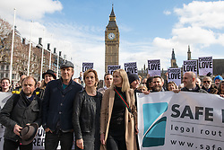 © Licensed to London News Pictures. 07/03/2017. London, UK. Foreground: actor Rhys Ifans (L), actress Juliet Stevenson (C) and actress Joely Richardson (R) join campaigners in Parliament Square to call on the government to reinstate the Dubs amendment. The Dubs Amendment, which was introduced by Lord Dubs who was brought to Britain as a child on the Kindertransport and aims to bring child refugees to safety in Britain, was suspended by the government in February 2017. Photo credit: Rob Pinney/LNP