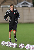 Photo: Paul Thomas.<br /> Liverpool Training session. UEFA Champions League. 21/11/2006.<br /> <br /> Peter Crouch.