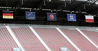 GEPA-0706085971 - KLAGENFURT,AUSTRIA,07.JUN.08 - FUSSBALL - UEFA Europameisterschaft, Vorbereitung auf die EURO 2008, Nationalteam Polen, Abschlusstraining. Bild zeigt die Fahnen von Deutschland, der UEFA, der FIFA und Polen. Keyword: Tribuene.<br />Foto: GEPA pictures/ Oskar Hoeher
