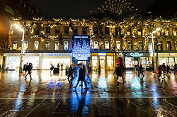 Glasgow, Scotland, UK. 20 November 2020. On evening shortly before the severest level 4 lockdown will be imposed at 6pm, shoppers are out on the streets of Glasgow doing last minute Christmas shopping before the shops close for 3 weeks. Views in evening as shops and businesses are closing. Pictured; Princes Square shopping arcade shortly before closing  .Iain Masterton/Alamy Live News