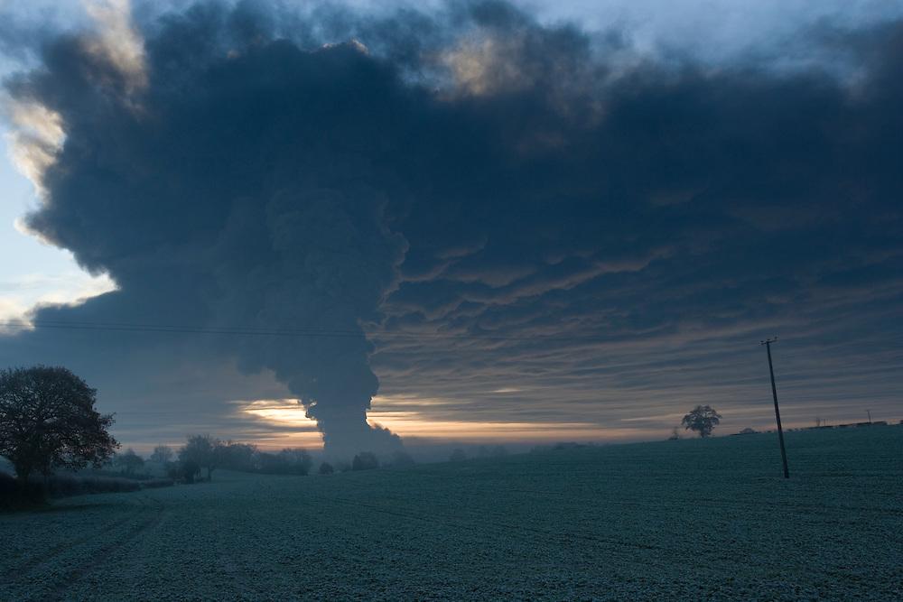 Buncefield Oil Storage Depot Hemel Hempstead 11th December 2005 Fire From 3 Miles Away