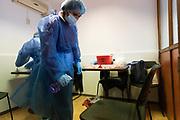 20210610/ Mauricio Zina - adhocFOTOS/ URUGUAY/ MONTEVIDEO/ Este jueves 10 de junio se realizó la segunda jornada de vacunación contra COVID-19 a personas en situación de calle, en la Casa de las Ciudadanas del barrio Cordón de Montevideo<br /> En la foto:  Segunda jornada de vacunacion de personas en situación de calle en la Casa de las Ciudadanas en Montevideo. Foto: Mauricio Zina/ adhocFOTOS