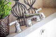 Chrome Bathtub Faucet Fixture