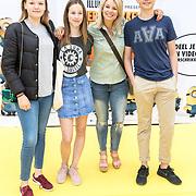 NLD/Amsterdam/20170617 - Première Verschrikkelijke Ikke 3, Pernille la Lau en kinderen Björn Haakon en Nuala Pernille