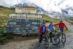 16-09-2017 FRA: BvdGF Tour du Mont Blanc day 7, Beaufort<br /> De laatste etappe waar we starten eindigen we ook weer na een prachtige route langs de Mt. Blanc / Javier, Gorka, Alberto