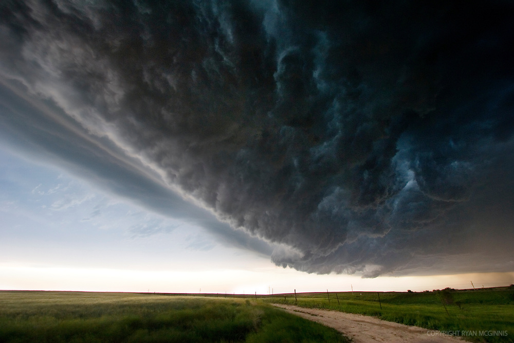A squall line passes over central Kansas, May 26, 2006.
