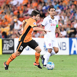 BRISBANE, AUSTRALIA - FEBRUARY 21: Tommy Oar of the Roar dribbles the ball during the Asian Champions League Group Stage match between the Brisbane Roar and Muangthong United FC at Suncorp Stadium on February 21, 2017 in Brisbane, Australia. (Photo by Patrick Kearney/Brisbane Roar)