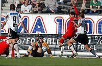 Fotball, eliteserien 25.07.2004, Rosenborg – Fredrikstad 3-1, situasjonen som førte til reduksjon ved Håkon Sõderstjerna<br /><br />Foto: Carl-Erik Eriksson, Digitalsport