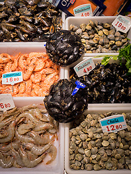 Prawns, Mussel and shellfish for sale at fish market, Getxo, Algorta, Basque Country, Biscay, Spain, Europe