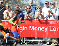 Athletics - 2018 Virgin Money London Marathon<br /> <br /> Mo Farah of GBR is applauded along the way<br /> <br /> COLORSPORT/ANDREW COWIE
