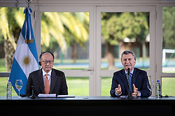 """(170818) -- OLIVOS, Aug. 18, 2017 (Xinhua) -- Argentine President Mauricio Macri (R) and World Bank President Jim Yong Kim address a joint press conference at the Presidential Country House, in Olivos city, 15km from Buenos Aires, Argentina, on Aug. 17, 2017. World Bank President Jim Yong Kim on Thursday praised China's anti-poverty measures which have successfully lifted """"hundreds of millions"""" of people out of poverty. (Xinhua/Martin Zabala) (fnc) (lrz) (Photo by Xinhua/Sipa USA)"""