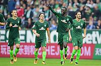 Fotball<br /> Tyskland<br /> Foto: Witters/Digitalsport<br /> NORWAY ONLY<br /> <br /> 1:0 Jubel v.l. Maximilian Eggestein, Thomas Delaney, Torschuetze Lamine Sane, Ishak Belfodil (Bremen)<br /> Bremen, 16.09.2017, Fussball Bundesliga, SV Werder Bremen - FC Schalke 04