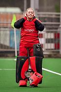 LAREN -  Hockey Hoofdklasse Dames: Laren v Pinoké, seizoen 2020-2021. Foto: Maartje Kaptein (Pinoké, keeper)
