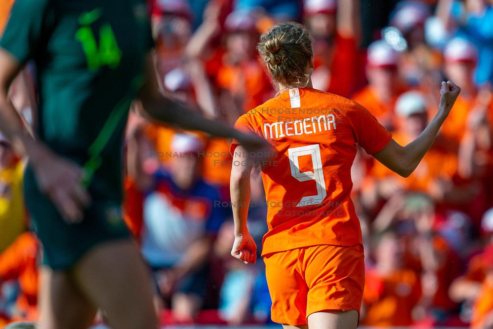 01-06-2019 NED: Netherlands - Australia, Eindhoven<br /> <br /> Friendly match in Philips stadion Eindhoven. Netherlands win 3-0 / Vivianne Miedema #9 of The Netherlands score 2-0