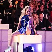 NLD/Hilversum/20110311 - Sterren Dansen op het IJs show 7, Vivian Reijs