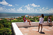 Olinda_PE, Brasil.<br /> <br /> Turistas em Olinda, Pernambuco.<br /> <br /> Tourists in Olinda, Pernambuco.<br />  <br /> Fotos: JOAO MARCOS ROSA / NITRO