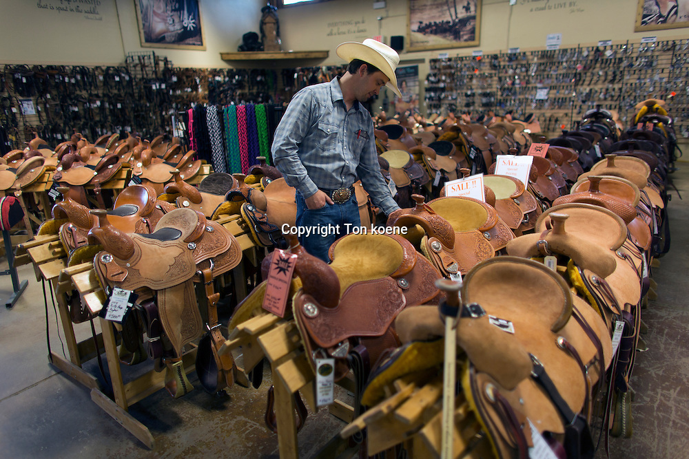 horse saddle shop in canada