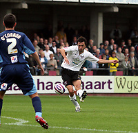 Photo: Mark Stephenson.<br /> Hereford United v Brentford. Coca Cola League 2. 06/10/2007.Hereford's Clint Easton trys a shot