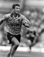 Fotball<br /> Foto: Colorsport/Digitalsport<br /> NORWAY ONLY<br /> <br /> Chris Sutton - Norwich City. Norwich City v Swindon, Aug.1993