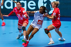 Antonina Skorobogatchenko of Russia, Siraba Dembele Pavlovic of France in action during the Women's EHF Euro 2020 match between France and Russia at Jyske Bank BOXEN on december 11, 2020 in Kolding, Denmark (Photo by RHF Agency/Ronald Hoogendoorn)