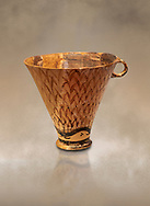 Minoan clay cup decorated with reeds, Zakros Palace  1600-1450 BC; Heraklion Archaeological  Museum. .<br /> <br /> If you prefer to buy from our ALAMY PHOTO LIBRARY  Collection visit : https://www.alamy.com/portfolio/paul-williams-funkystock/minoan-art-artefacts.html . Type -   Heraklion   - into the LOWER SEARCH WITHIN GALLERY box. Refine search by adding background colour, place, museum etc<br /> <br /> Visit our MINOAN ART PHOTO COLLECTIONS for more photos to download  as wall art prints https://funkystock.photoshelter.com/gallery-collection/Ancient-Minoans-Art-Artefacts-Antiquities-Historic-Places-Pictures-Images-of/C0000ricT2SU_M9w