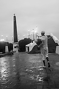 Después de la lluvia / Ciudad de Panamá.<br /> <br /> Edición de 3 | Víctor Santamaría.
