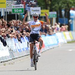 27-06-2015: Wielrennen: NK vrouwen: Emmen<br /> EMMEN (NED) wielrennen:In Emmen streden de wielrenners om de nationale titels op de weg. De titel ging na 2013 voor de tweede keer naar Lucinda Brand