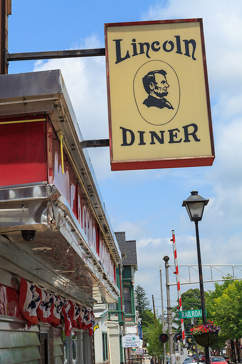 Gettysburg, PA, USA - June 30, 2013:  The Lincoln Diner on Carlisle Street in downtown Gettysburg.