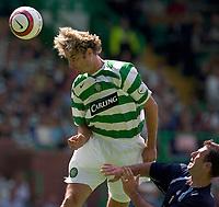 Fotball<br /> England 2005/2006<br /> Foto: SBI/Digitalsport<br /> NORWAY ONLY<br /> <br /> Celtic v Leeds United, pre season friendly at Celtic Park.<br /> <br /> Sunday 24/07/2005<br /> Stan Varga beats Sean Greagan but heads against the bar
