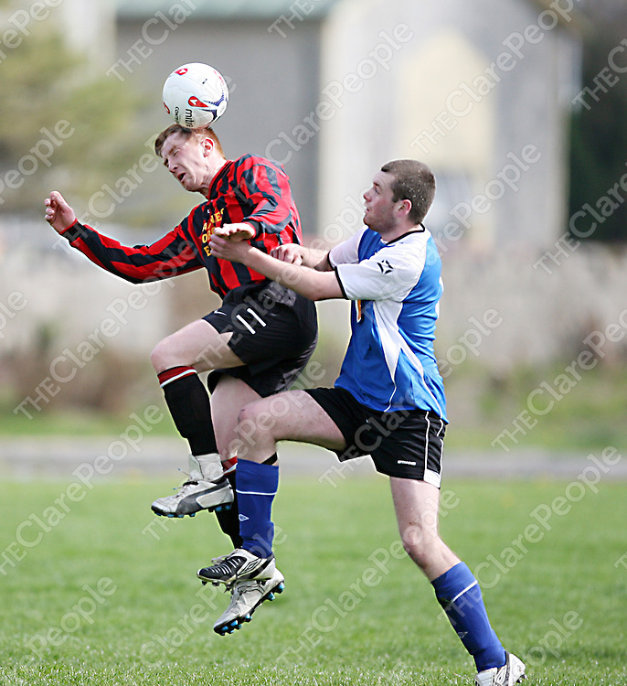 Kilmaley's John Healy and Hermitage's Jason Hayes contest a high ball during their game in the Fairgreen on Sunday morning.<br /><br /><br /><br />Photograph by Yvonne Vaughan.