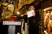 PATSY KENSIT, Patsy Kensit turns on Burlington Arcade Christmas Lights, Burlington Arcade, London, W1. 26 November 2008 *** Local Caption *** -DO NOT ARCHIVE -Copyright Photograph by Dafydd Jones. 248 Clapham Rd. London SW9 0PZ. Tel 0207 820 0771. www.dafjones.com