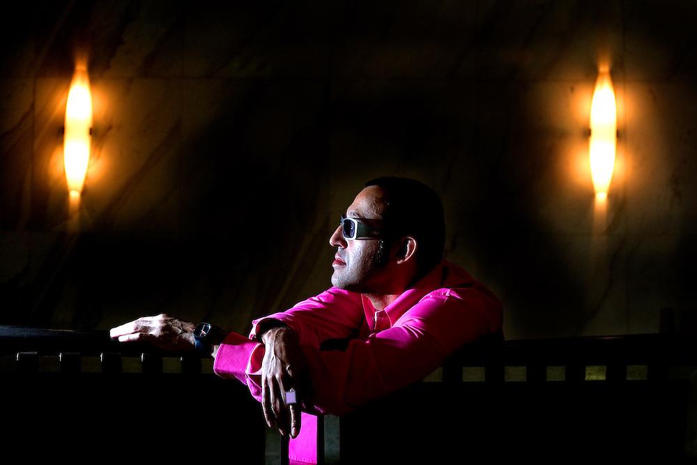 Belo Horizonte, 20 de junho de 2006. Retrato do designer egipcio Karim Rashid (46)..TOP MAGAZINE.FOTO: Leo Drumond / Agencia Nitro.