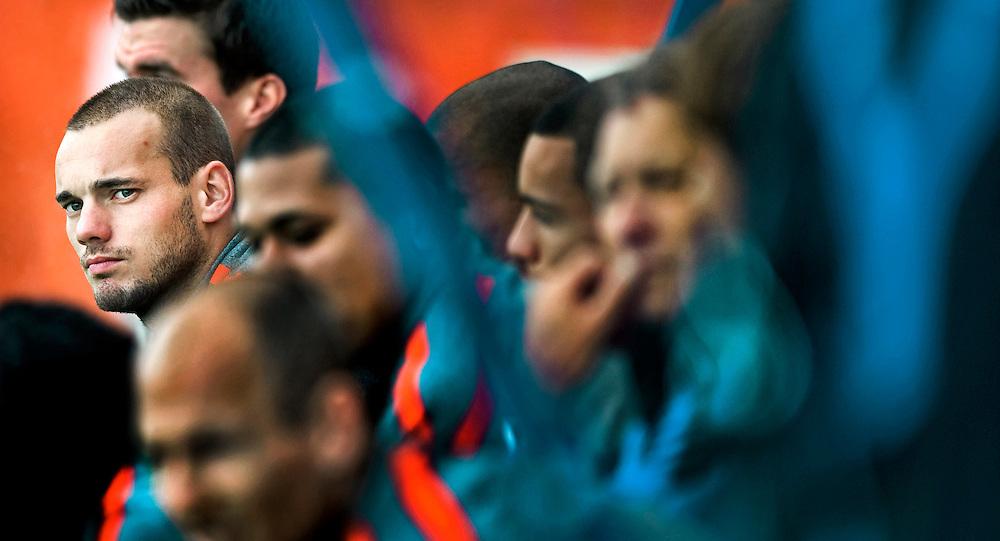 The Netherlands, Katwijk, 08-08-2011.<br /> Football, National, Dutch national team.<br /> Training..<br /> Wesley Sneijder between the other players of the dutch national squad.<br /> Photo : Klaas Jan van der Weij