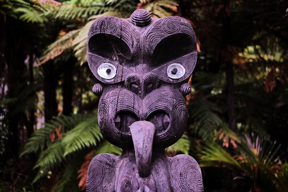 Maori woodcarving at Pauanui.