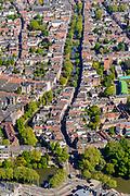 Nederland, Utrecht, Utrecht, 13-05-2019; overzicht van Utrecht gezien vanuit het Zuiden, bomen in voorjaarsgroen langs de singels, Catherijnesingel, Tolsteegsingel. In de voorgrond Ledig Erf, Oude Gracht richting Dom en Domtoren.<br /> Overview of Utrecht seen from the South, trees in green spring trees along the canals.<br /> <br /> luchtfoto (toeslag op standard tarieven);<br /> aerial photo (additional fee required);<br /> copyright foto/photo Siebe Swart