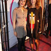 NLD/Amsterdam/20121127 - Inloop uitreiking Viva 400 2012, Dilan Yurdakul en Nanette Drazic