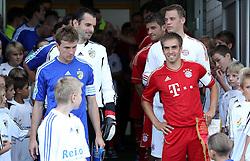 14.07.2011, Ernst-Abbe-Sportfeld, Jena, GER, Benefizspiel, Carl Zeis Jena vs FC Bayern im Bild ..die Mannschaften , hier Ralf Schmidt und Torwart Tino Berbig (beide Jena) , Philipp Lahm und Torwart Manuel Neuer (beide Bayern München) stehen im Spielertunnel bereit  ..  //during the freindlc match between Carl Zeis Jena - FC Bayern 2011/07/14   EXPA Pictures © 2011, PhotoCredit: EXPA/ nph/  Hessland       ****** out of GER / CRO  / BEL ******