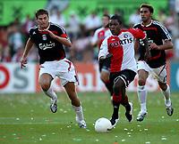 Photo: Maarten Straetemans.<br /> Feyenoord v Liverpool. Rotterdam Tournament. 05/08/2007.<br /> Steven Gaerrard (left) with Drenthe of Feyenoord