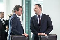 18 JUL 2018, BERLIN/GERMANY:<br /> Andreas Scheuer (L), CSU, Bundesverkehrsminister, und Jens Spahn (R), CDU, Bundesgesundheitsminister, im Gespraech, vor Beginn der Kabinettsitzung, Bundeskanzleramt<br /> IMAGE: 20180718-01-013<br /> KEYWORDS: Kabinett, Sitzung, Gespräch