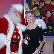 NLD/Hilversum/20121207 - Skyradio Christmas Tree, Marleen Sahulpala en de kerstman